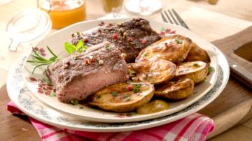 Pavé d'autruche et pommes de terre souflées