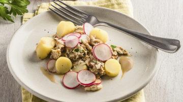 Salade de pommes de terre miette de maquereaux et radis