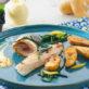 Roulés de filets de bar, patates croustillantes et salicorne